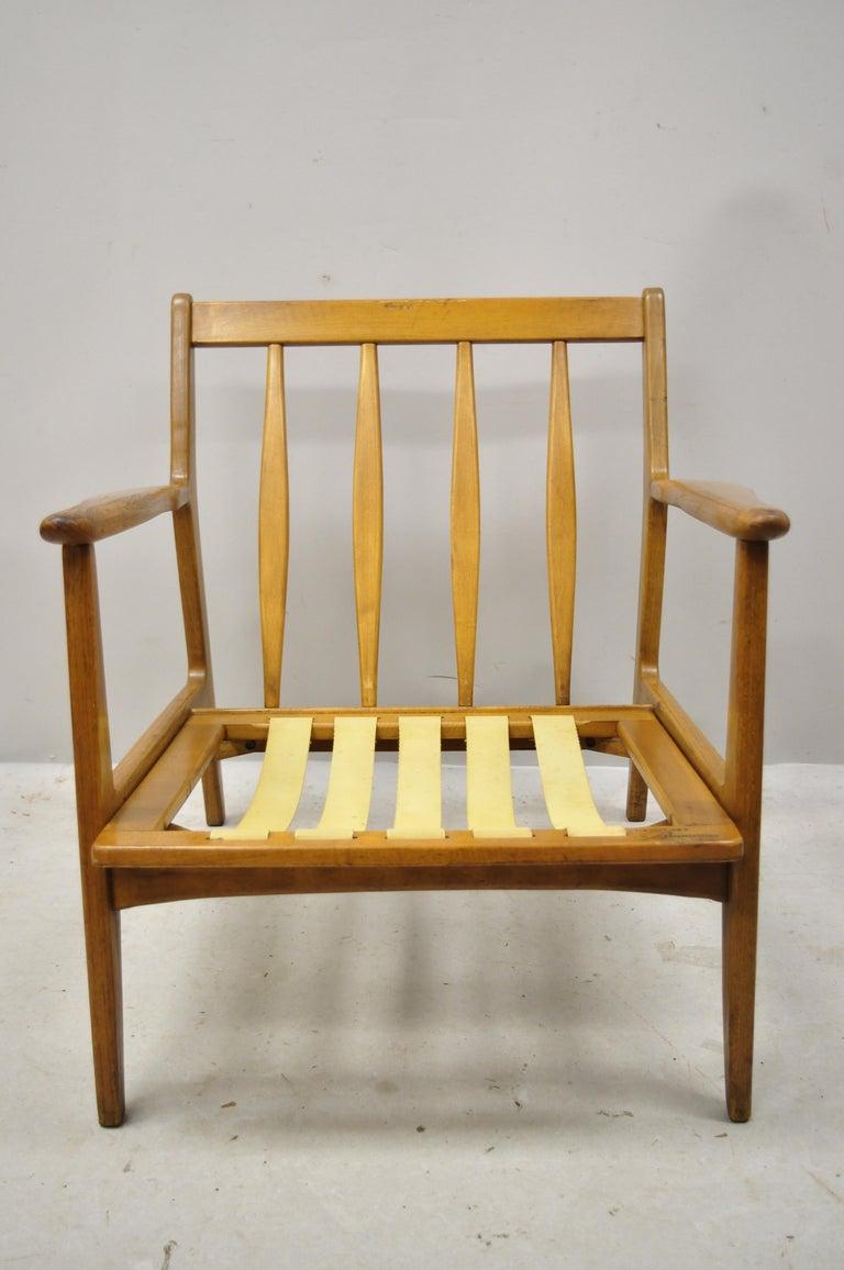 Mid-20th Century Modern Baumritter Walnut Lounge Danish Style Armchair For Sale 6