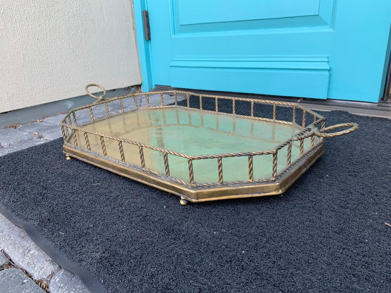 Mid-20th Century Oval Brass Tray with Rope Detail In Good Condition For Sale In Atlanta, GA