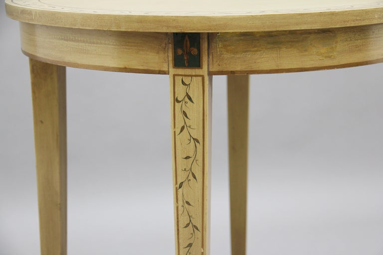Mid-20th Century Painted Table For Sale 2