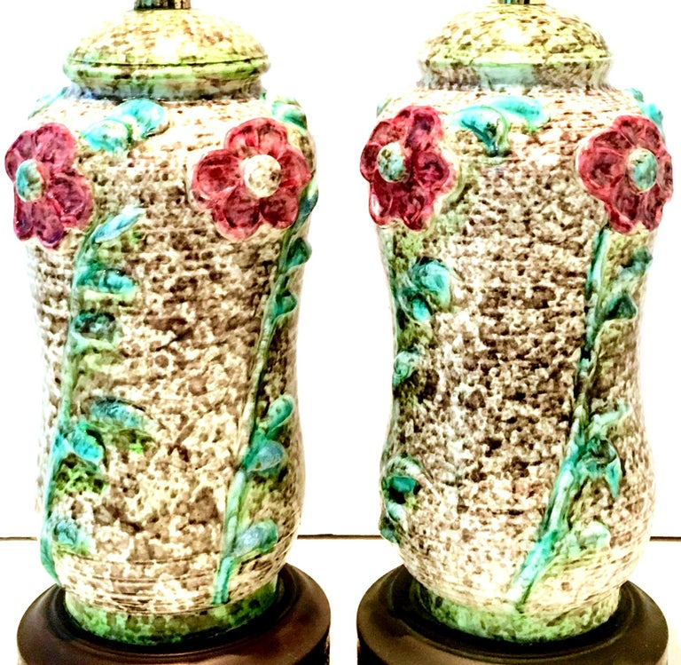 American Mid-20th Century Pair of Ceramic Glaze and Gilt Brass Floral Table Lamps For Sale