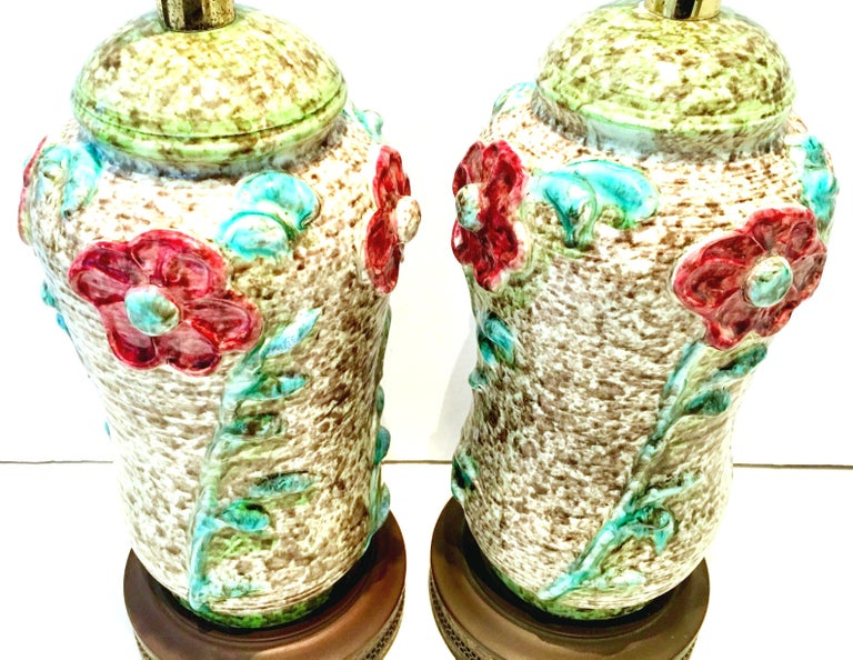 Hand-Painted Mid-20th Century Pair of Ceramic Glaze and Gilt Brass Floral Table Lamps For Sale