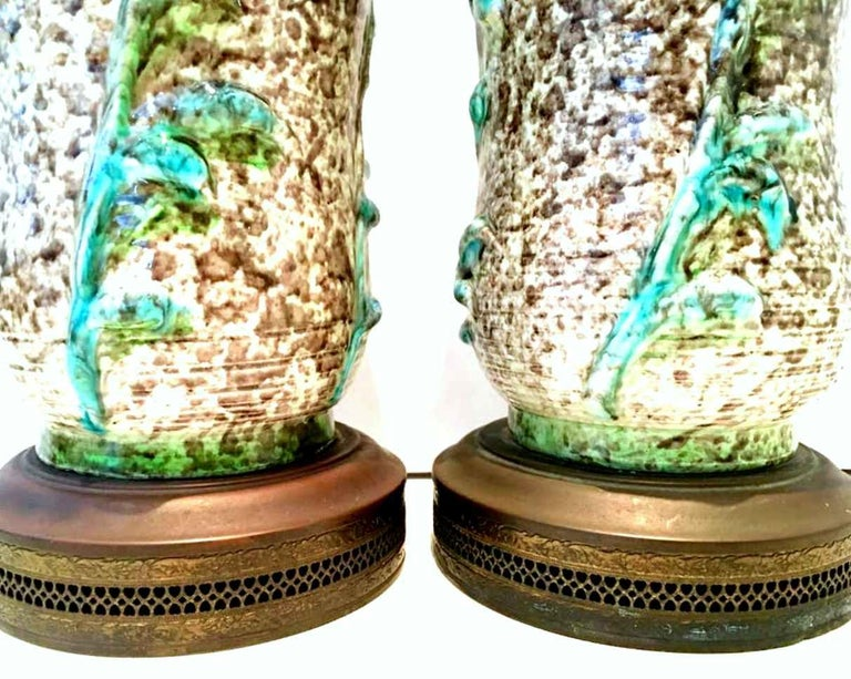 Mid-20th Century Pair of Ceramic Glaze and Gilt Brass Floral Table Lamps In Good Condition For Sale In West Palm Beach, FL