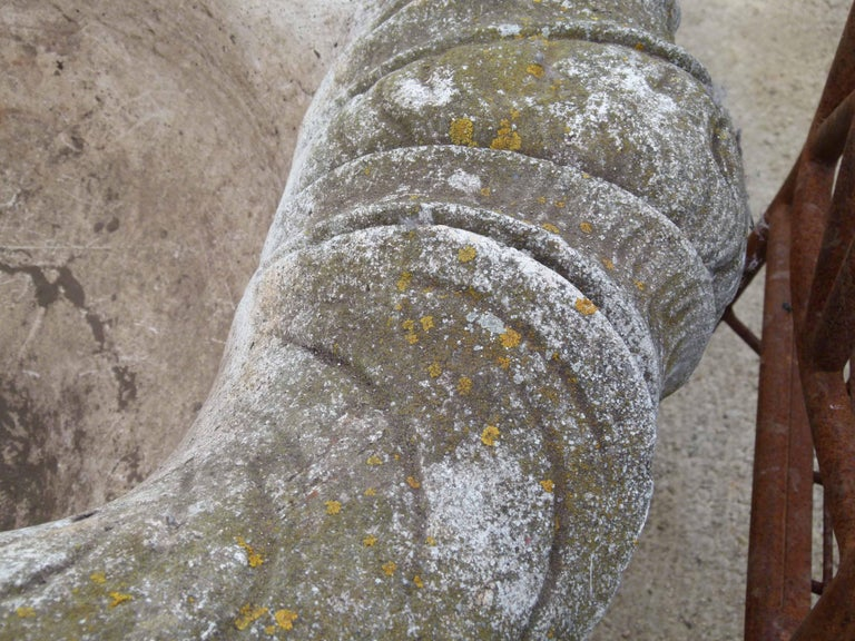Mid-20th Century Reconstituted Stone Urn in Classical Greek Style For Sale 6