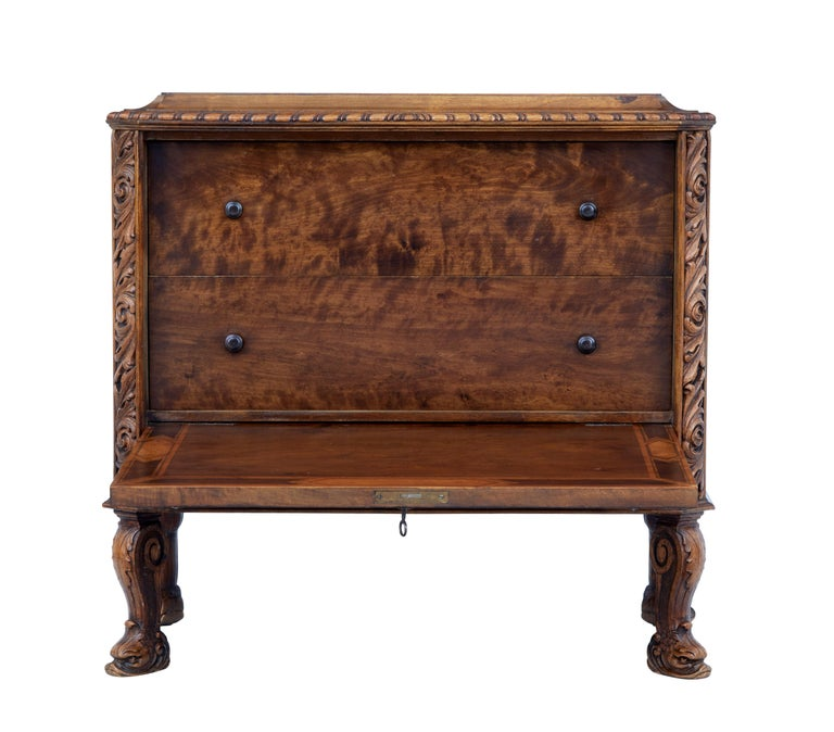 Mid-20th Century Rococo Revival Carved Walnut Chest of Drawers 3