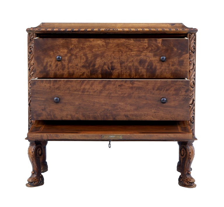 Mid-20th Century Rococo Revival Carved Walnut Chest of Drawers 4