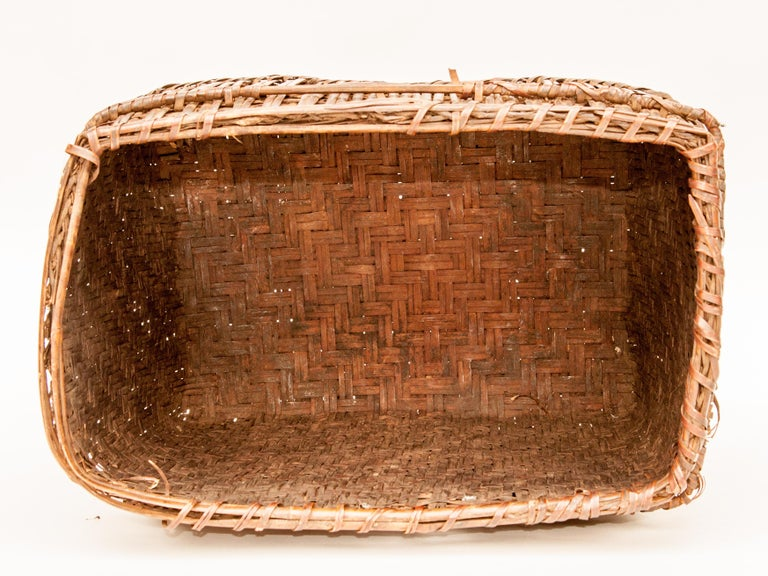 Mid-20th Century Shaman Basket with Hand Spun Netting, From the Tamang of Nepal For Sale 6