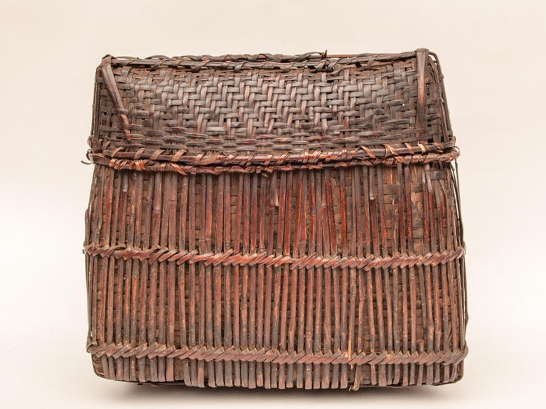 Mid-20th Century Shaman Basket with Hand Spun Netting, From the Tamang of Nepal In Fair Condition For Sale In Point Richmond, CA