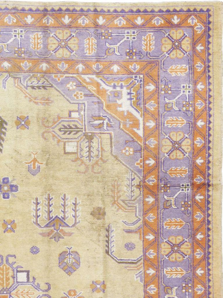 Heriz Serapi Mid-20th Century Soft Colored Oushak Carpet in Beige, Purple, and Orange For Sale