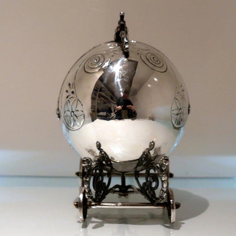 Mid-20th Century Sterling Silver Continental Large Serving Carriage, circa 1950 For Sale 4