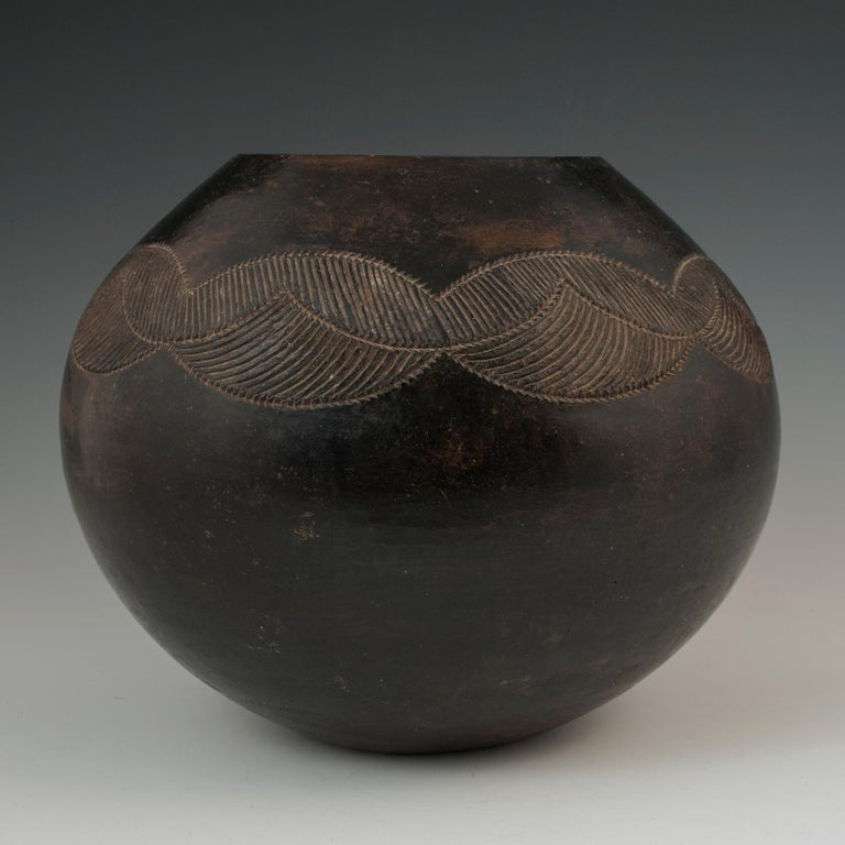 Hand-Crafted Mid-20th Century Tribal Ceramic Beer Pot, Zulu People, South Africa For Sale