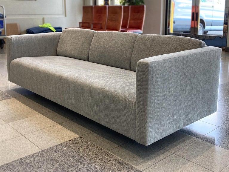 Mid-20th Century Tuxedo Sofa by Harvey Probber In Good Condition In New York, NY