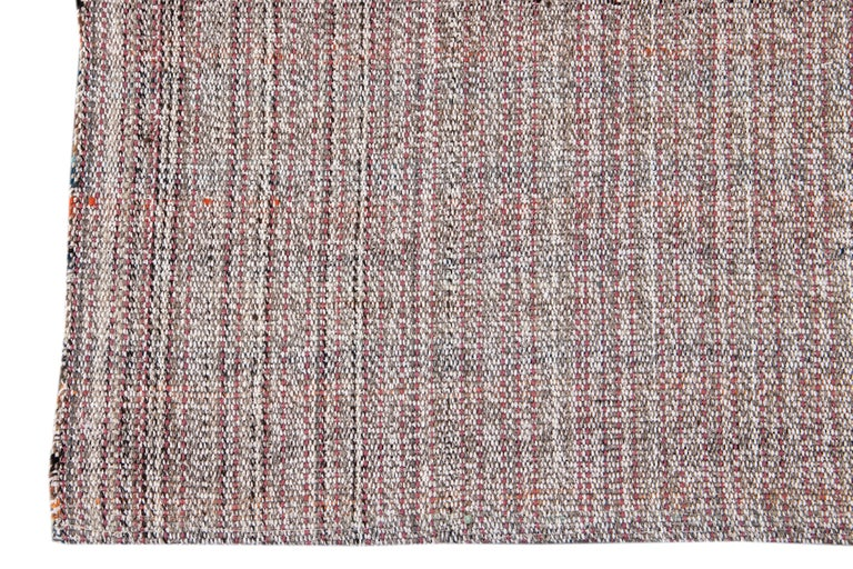 Mid-20th Century Vintage Flat-Weave Rug In Excellent Condition For Sale In Norwalk, CT