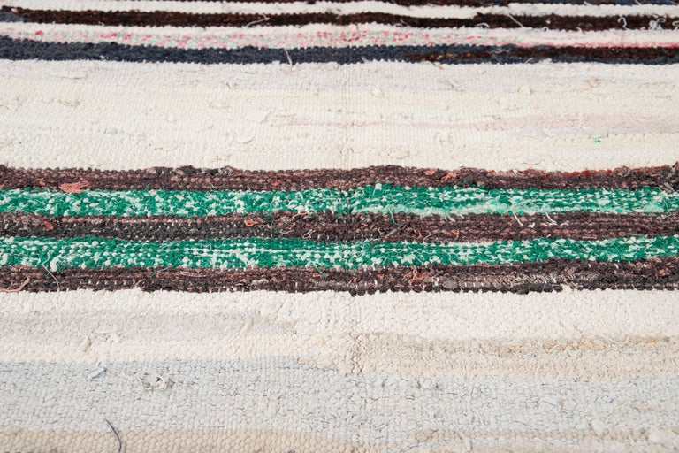 Mid-20th Century Vintage Kilim Wool Rug For Sale 8