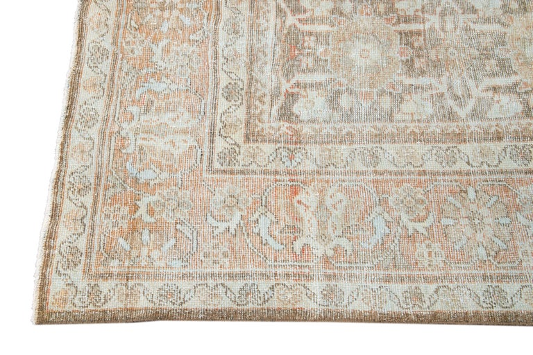 Mid-20th Century Vintage Mahal Wool Rug For Sale 1