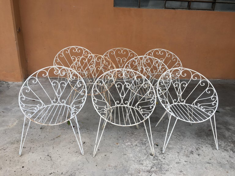 Mid-Century Modern French set of 8 white lacquered iron garden or patio chairs, 1960s