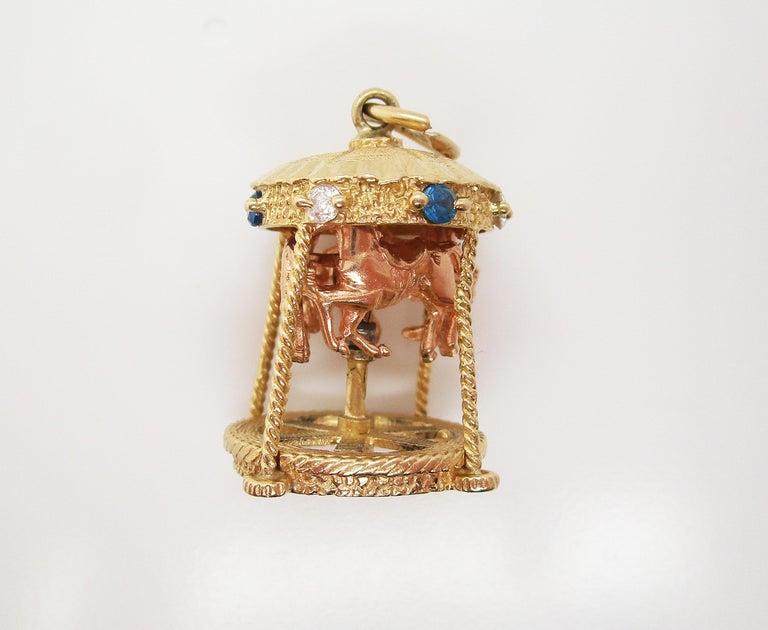 Modernist Midcentury 14 Karat Yellow Gold Sapphire Diamond Movable Carousel Pendant For Sale