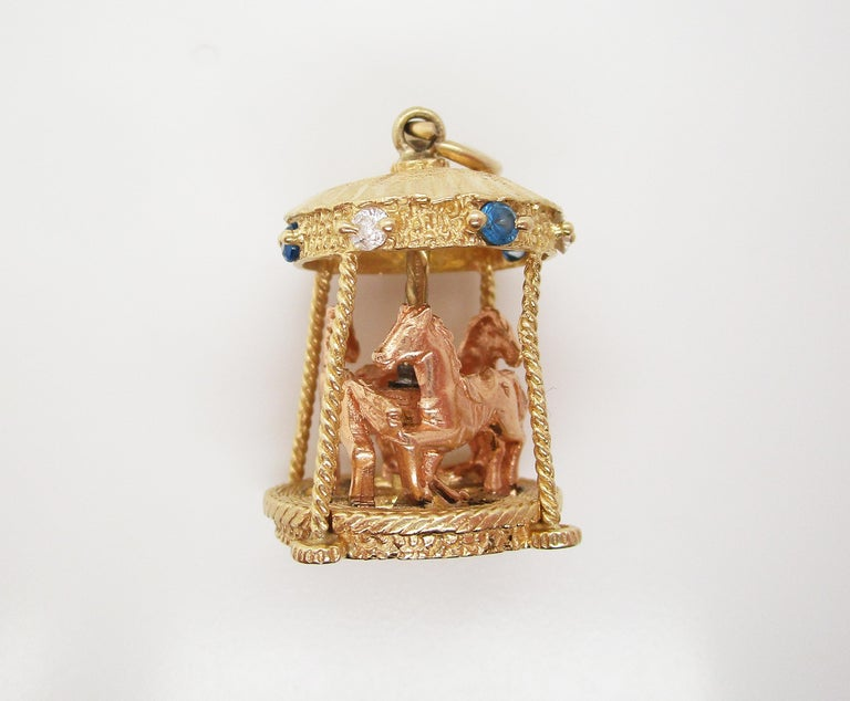 Round Cut Midcentury 14 Karat Yellow Gold Sapphire Diamond Movable Carousel Pendant For Sale