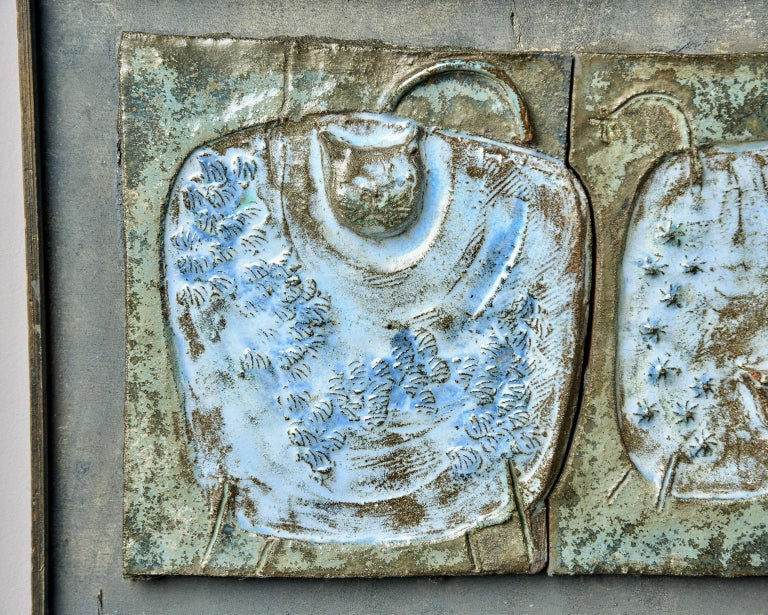 European Midcentury Abstract Pottery Plaque with Cats For Sale