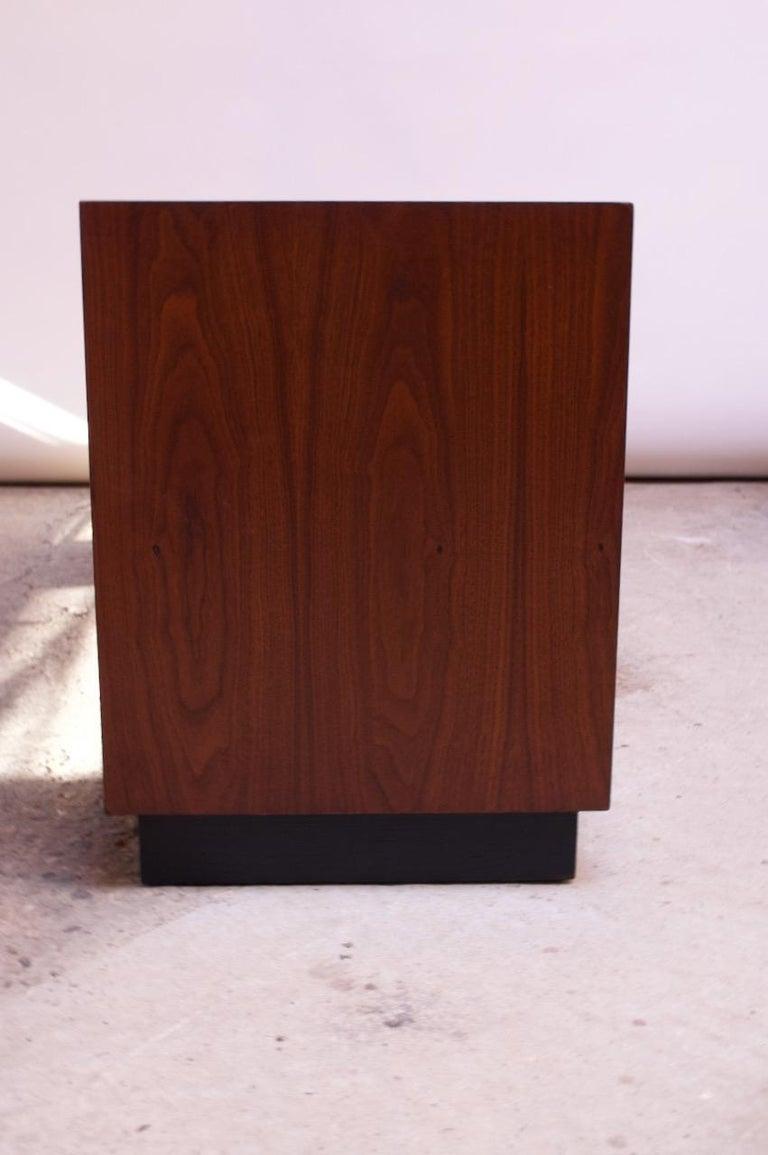 Midcentury American Modern Walnut Credenza with Ebonized Plinth Base For Sale 3
