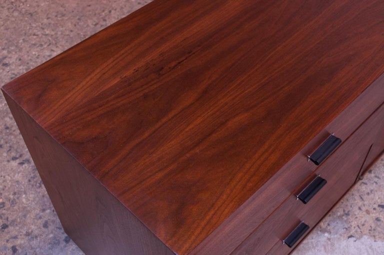 Midcentury American Modern Walnut Credenza with Ebonized Plinth Base For Sale 9