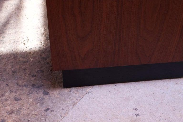 Midcentury American Modern Walnut Credenza with Ebonized Plinth Base For Sale 12