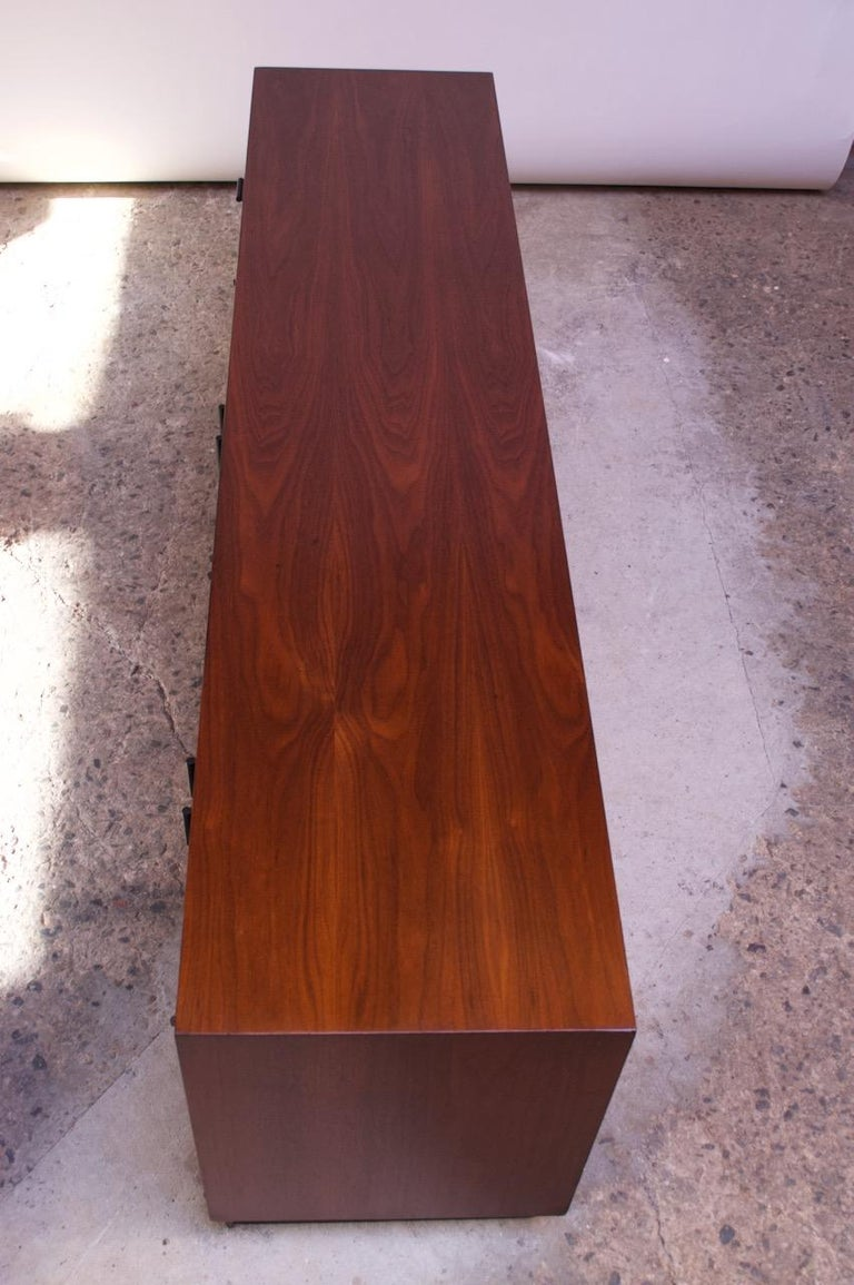 Midcentury American Modern Walnut Credenza with Ebonized Plinth Base For Sale 1