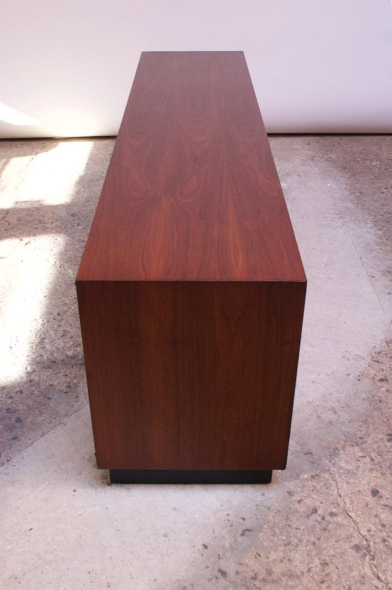 Midcentury American Modern Walnut Credenza with Ebonized Plinth Base For Sale 2
