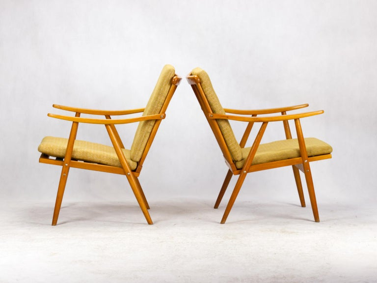 Mid Century Armchairs by TON Czechoslovakia, 1960s In Good Condition For Sale In Lucenec, SK