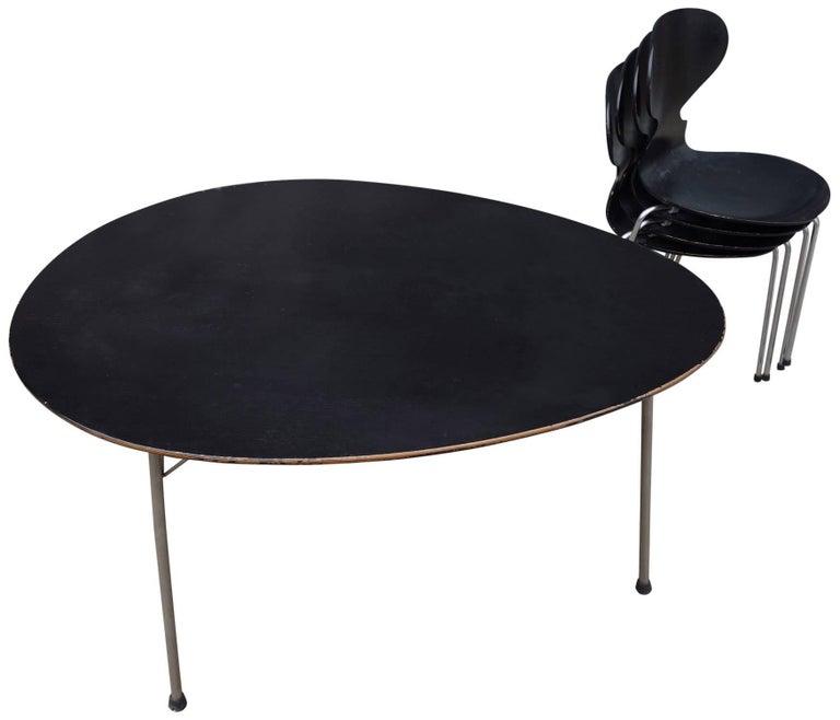 Scandinavian Modern Midcentury Arne Jacobsen Egg Table and Ant Chair Set For Sale
