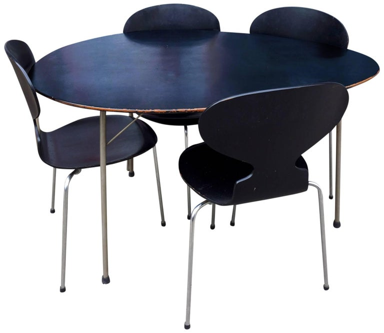 Midcentury Arne Jacobsen Egg Table and Ant Chair Set In Good Condition For Sale In BROOKLYN, NY
