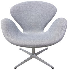 Midcentury Arne Jacobsen Swan Chair for Fritz Hansen