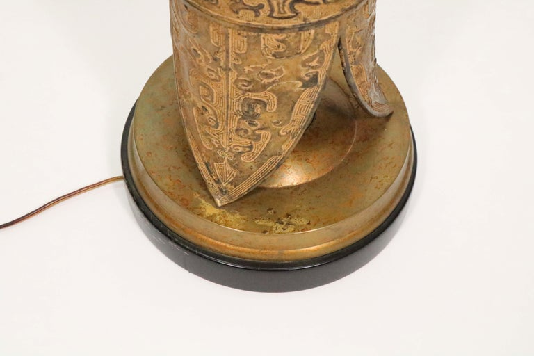 Midcentury Asian Motif Antiqued Brass Table Lamp by Marbro For Sale 2