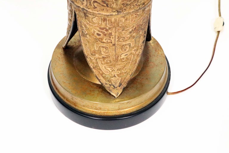 Midcentury Asian Motif Antiqued Brass Table Lamp by Marbro For Sale 3