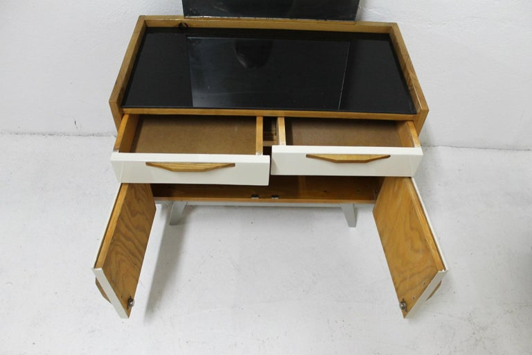 Midcentury Bedroom Set, Expo 58, Czechoslovakia For Sale 8