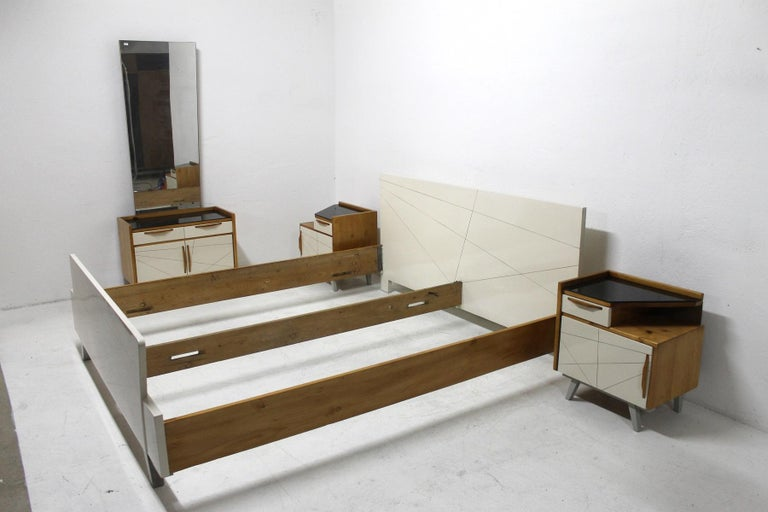 Midcentury Bedroom Set, Expo 58, Czechoslovakia In Excellent Condition For Sale In Prague 8, CZ