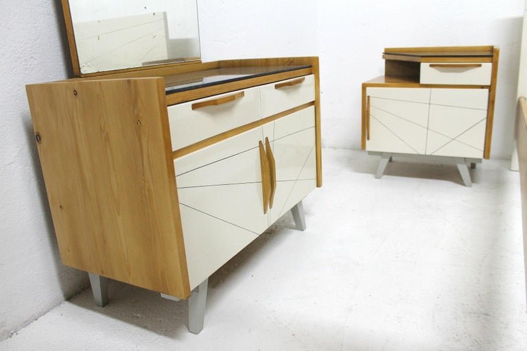 Midcentury Bedroom Set, Expo 58, Czechoslovakia For Sale 3