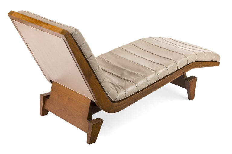 American Midcentury Beige Leather Chaise Lounge, USA, 1950s For Sale