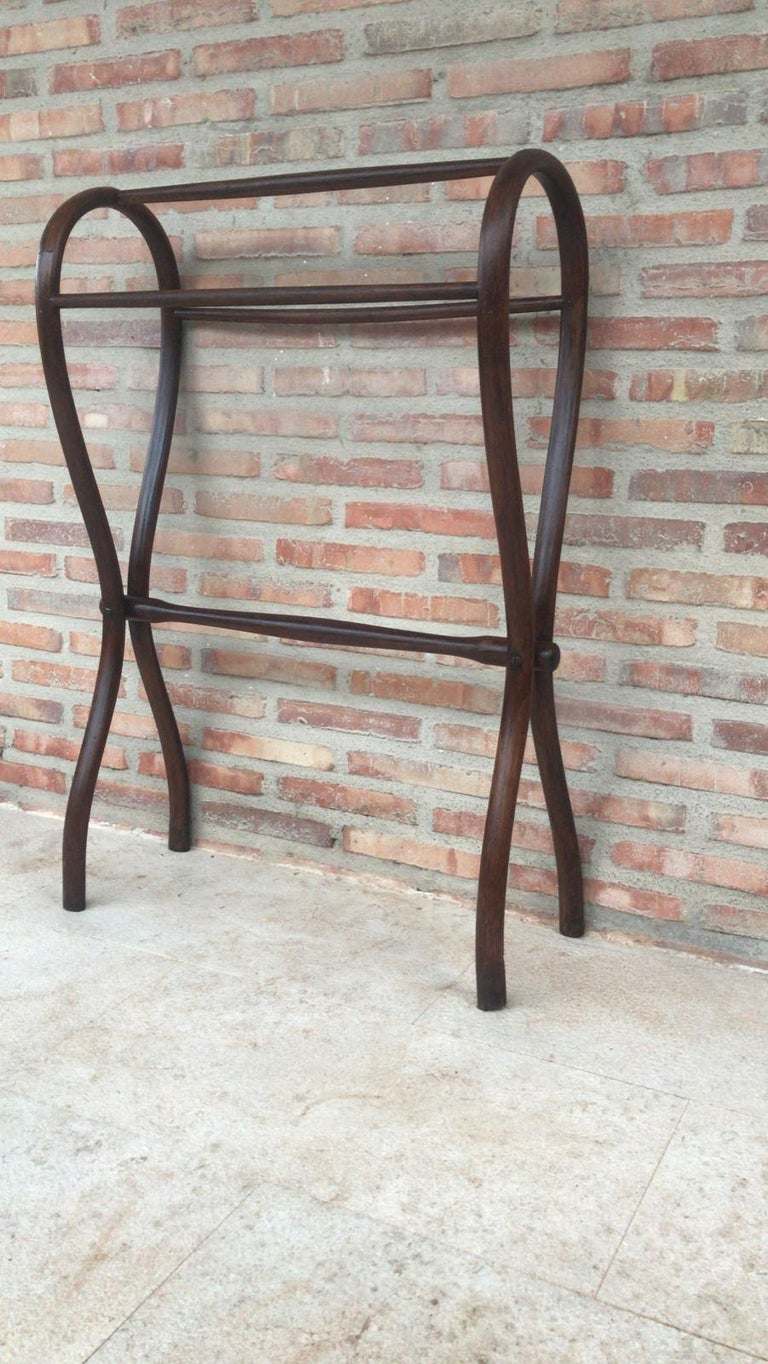 Mid-Century Modern Midcentury Bentwood Valet in the Thonet Style or Clothes Rail / Towel Rail For Sale