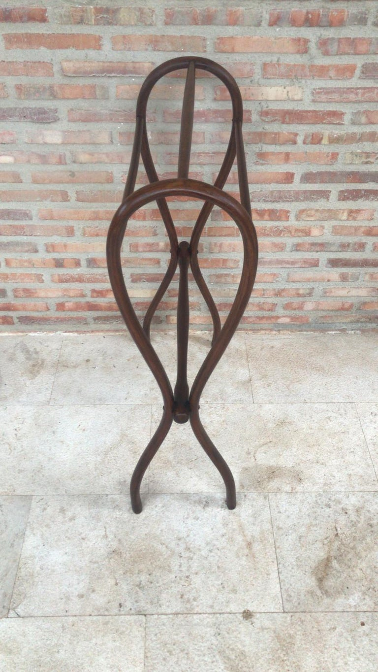 Spanish Midcentury Bentwood Valet in the Thonet Style or Clothes Rail / Towel Rail For Sale
