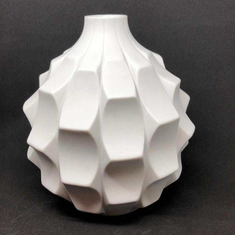 Midcentury Bisquit Artichoke Vase by Heinrich Fuchs for Hutschenreuther, 1960s 3
