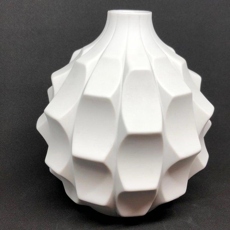 Midcentury Bisquit Artichoke Vase by Heinrich Fuchs for Hutschenreuther, 1960s 4