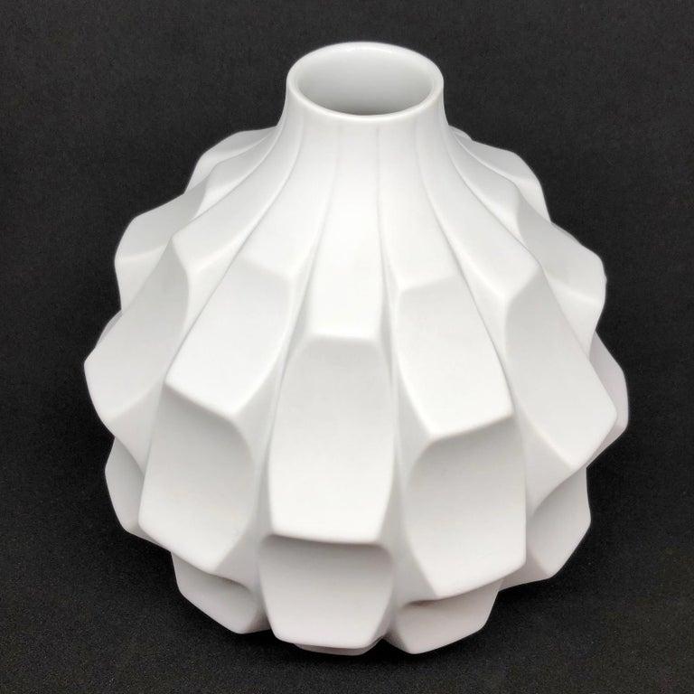Midcentury Bisquit Artichoke Vase by Heinrich Fuchs for Hutschenreuther, 1960s 5