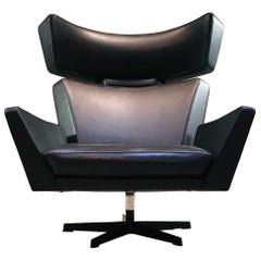Midcentury Black Leather Lounge Chair by Arne Jacobsen Oksen, Ox Chair