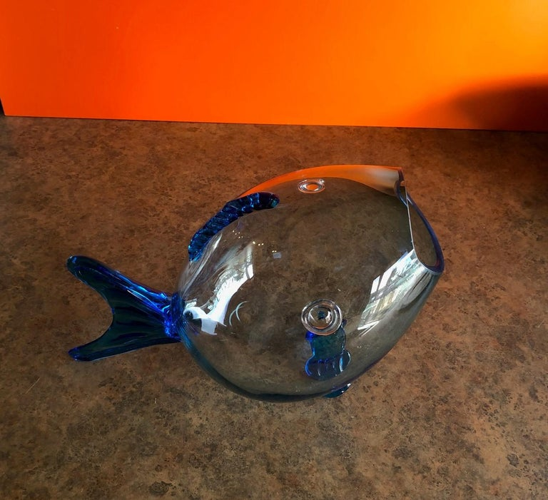Midcentury Blue Glass Fish Vase by Blenko In Excellent Condition For Sale In San Diego, CA