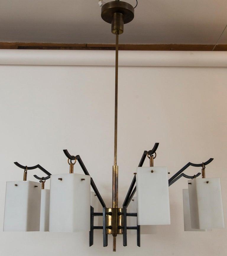 Italian Mid-Century Brass 8-Light Chandelier attributed to Stilnovo, circa 1955 For Sale