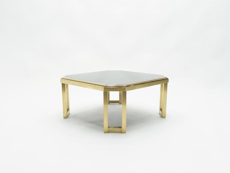 Midcentury Brass Black Opaline End Table by Maison Jansen, 1970s In Good Condition For Sale In Paris, FR