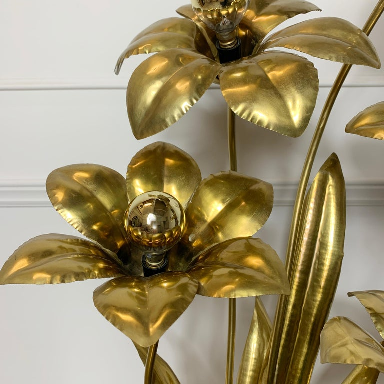 Midcentury Brass Flower Table Lamp, 1970s For Sale 1
