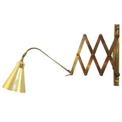 Midcentury Brass Scissor Extendable Sconce, Italy, 1950s