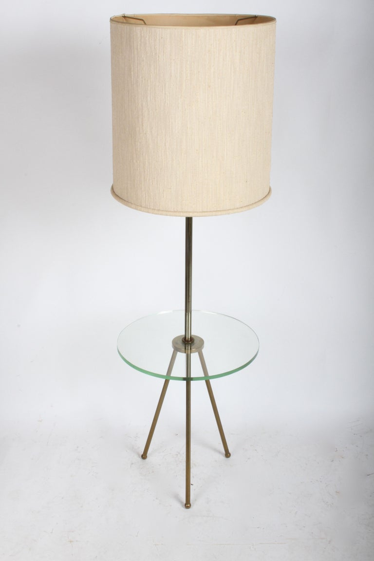 Unknown Mid-Century Modern Italian Brass Floor Lamp with Tripod Legs and Glass Shelf For Sale