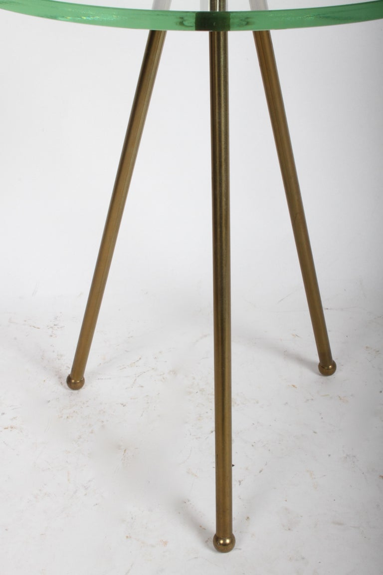 Mid-Century Modern Italian Brass Floor Lamp with Tripod Legs and Glass Shelf For Sale 3